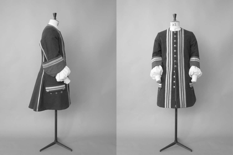 Garde robe atelier caraco - Tablette pour garde robe ...